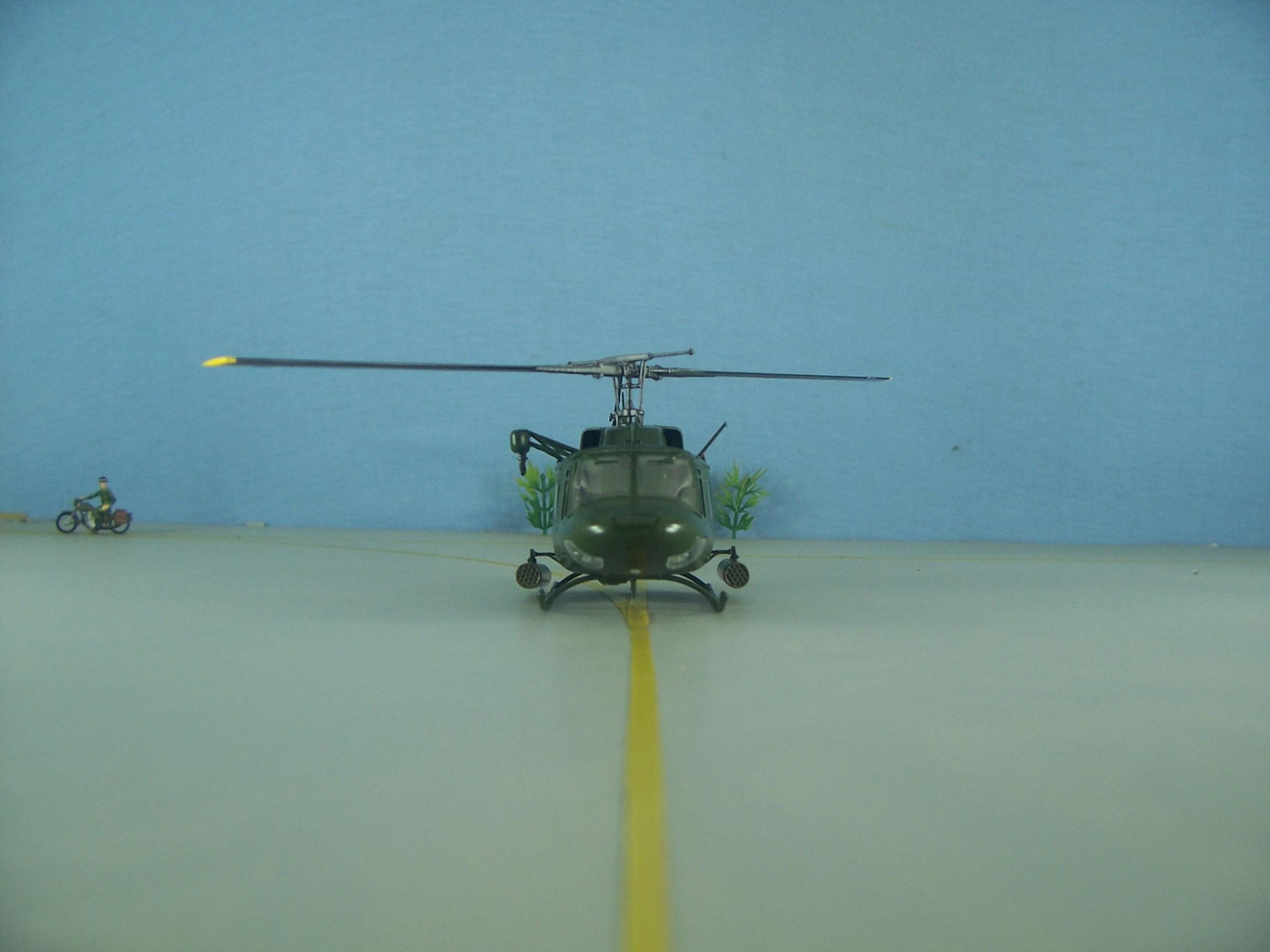 UH 1N Twin Huey - 1/72 – Italeri